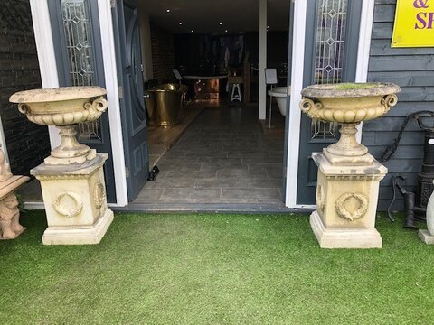 Pair of reclaimed reconstituted stone urns & plinths in Bath stone colour U1504